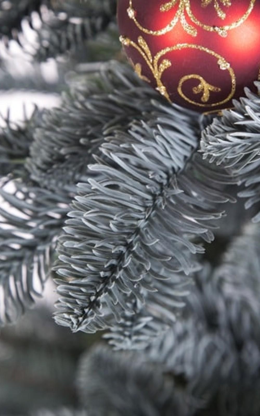 Ezüst levelű 3D műfenyő