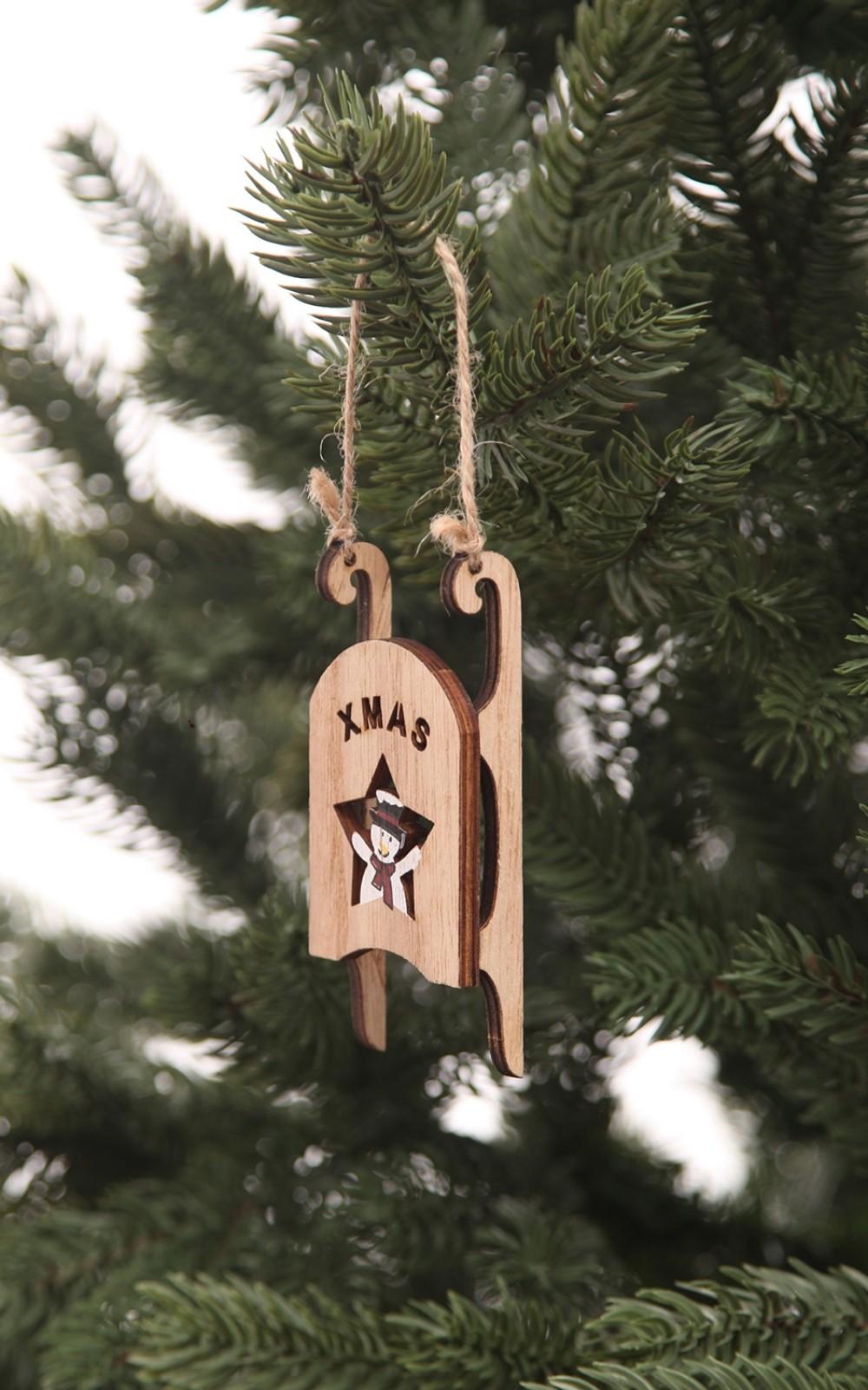 Karácsonyfadísz-fa szánkó