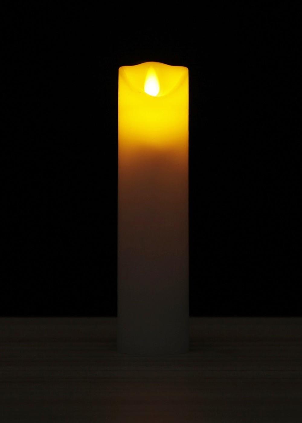 Viaszos LED gyertya tácoló lánggal