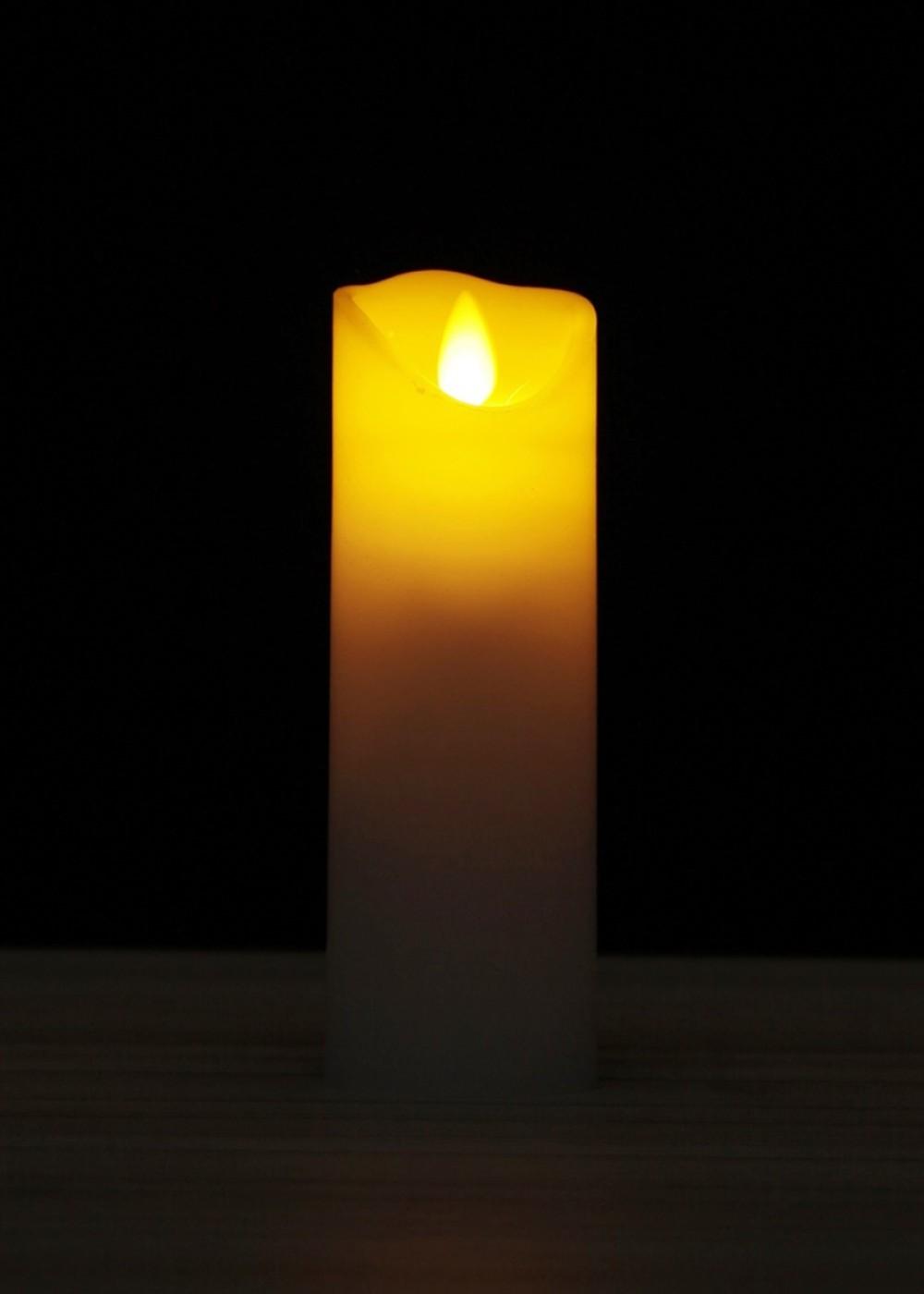 Viaszos LED gyertya táncoló lánggal-15 cm