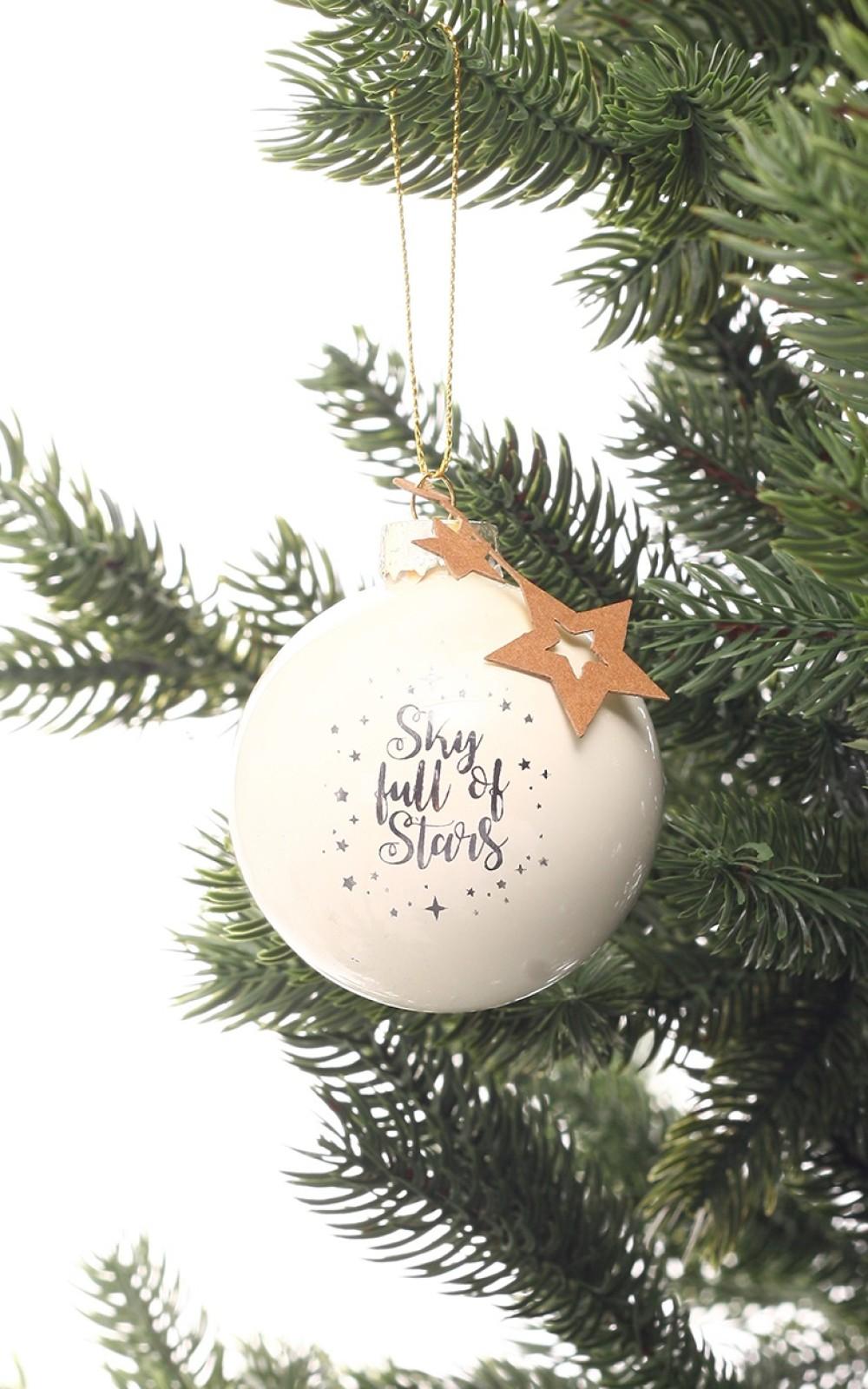 Karácsonyfadísz fehér üveggömb